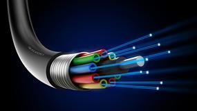 Figure 5. Application of polystyrene fibers to optical fibers